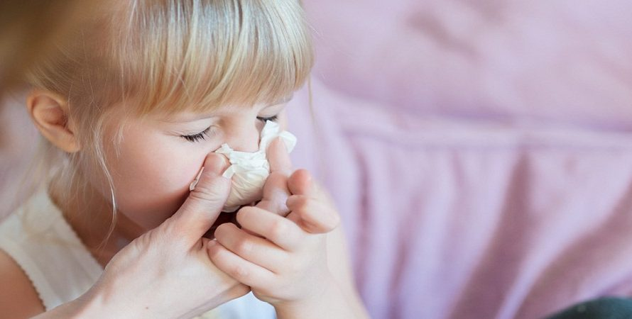 Tips On How To Stop a Runny Nose At Home